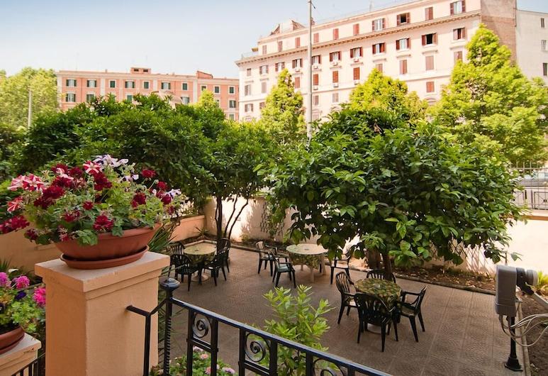 Palma Residence Castro Pretorio, Rome, Guest Room View