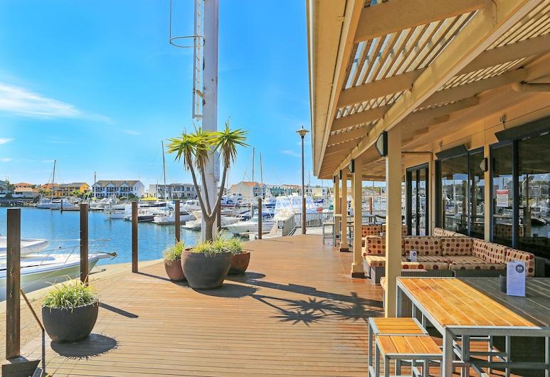 The Marina Hotel, Port Lincoln, Restaurante al aire libre