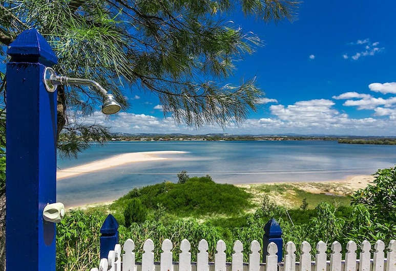 Leisure Lee Holiday Apartments, East Ballina, Property Grounds