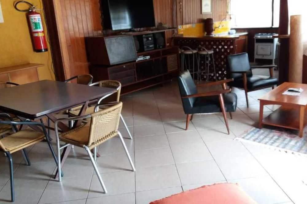 Rodinná chatka - Obývací pokoj