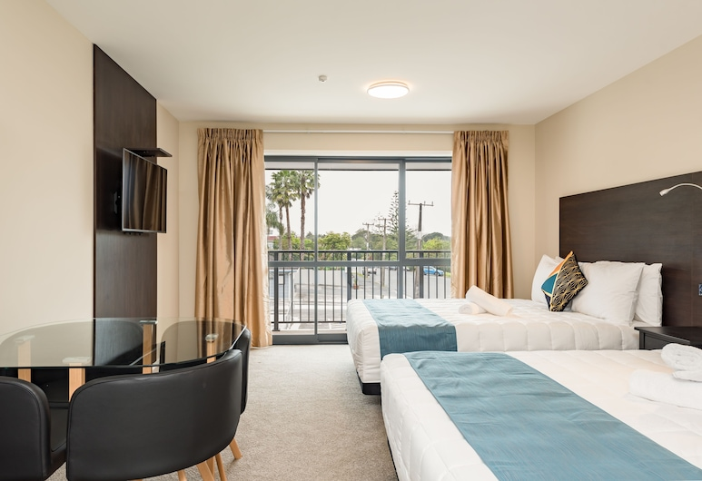 Dolphin Motel, Paihia, Superior Studio, 2 Queen Beds, Guest Room View