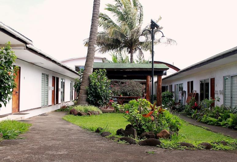 Inaki Uhi, Hanga Roa, Property Grounds