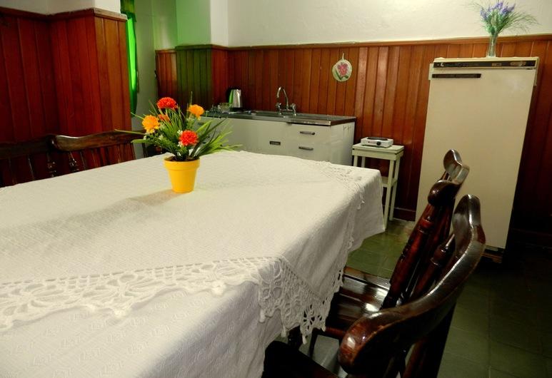 Hotel Colon, Posadas, Apartment, Balcony (7 people), Living Area