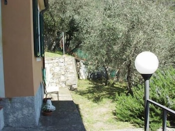 Choose This Cheap Hotel in Levanto