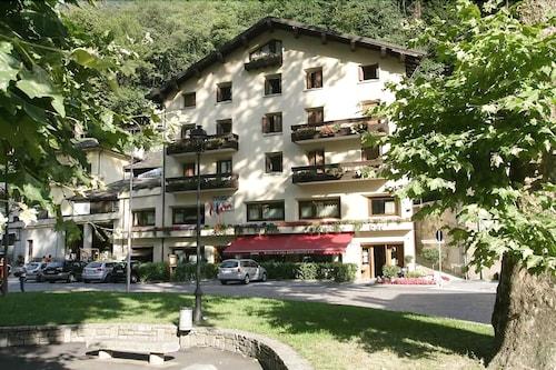 Hotel Crimea, Chiavenna