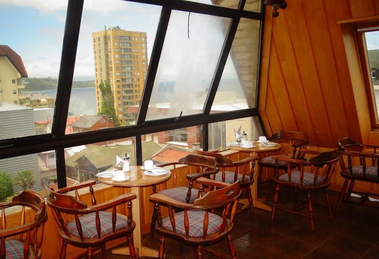 Antupiren, Puerto Montt, บาร์ของโรงแรม