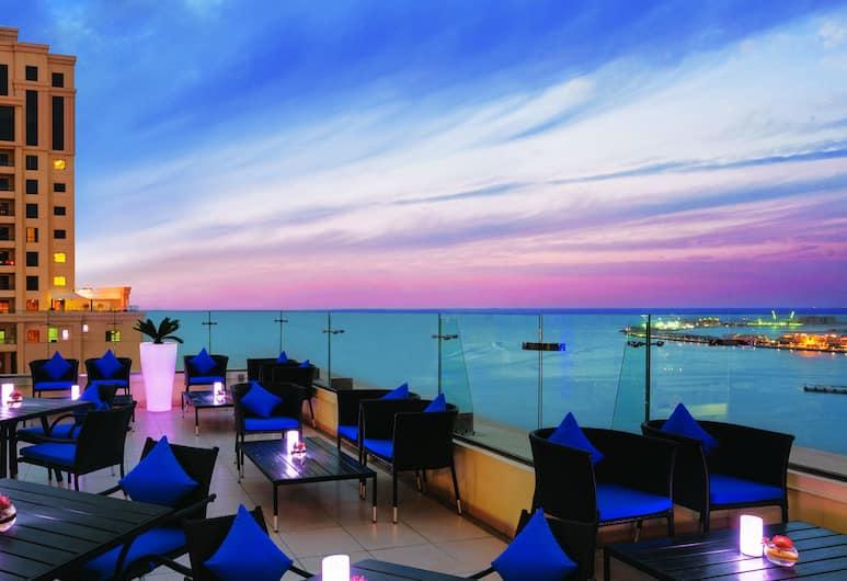 Delta hotels by Marriott Jumeirah Beach, Dubai, Dubaj, Terasa