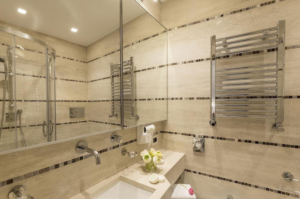 Standard Double Room - Baño