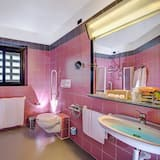 Standard Quad Room (Breakfast Excluded) - Bathroom