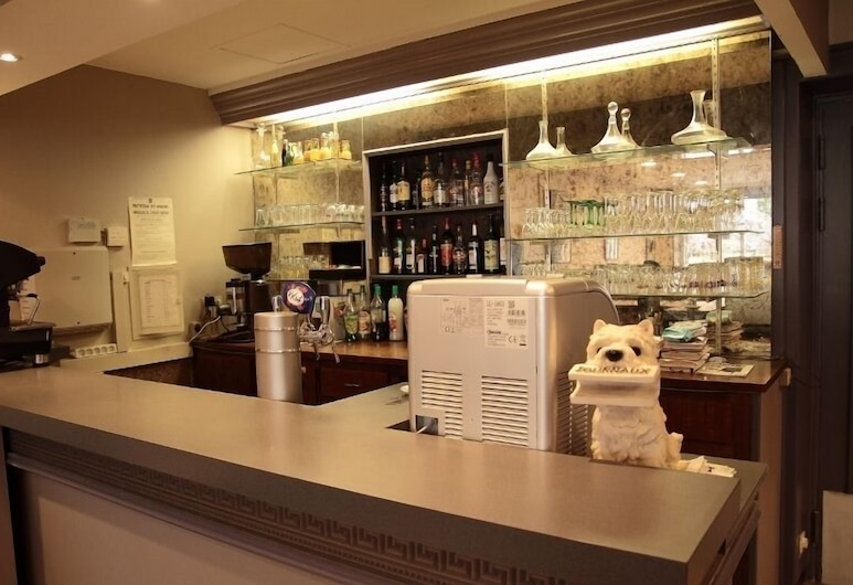 Hotel Pourcheresse, Ντολ, Μπαρ ξενοδοχείου