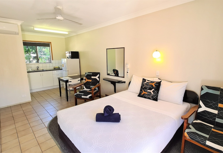 Paradise Court Holiday Units, Cannonvale, Studio, No Smoking Property, 5 PM latest check-in, Vierashuone