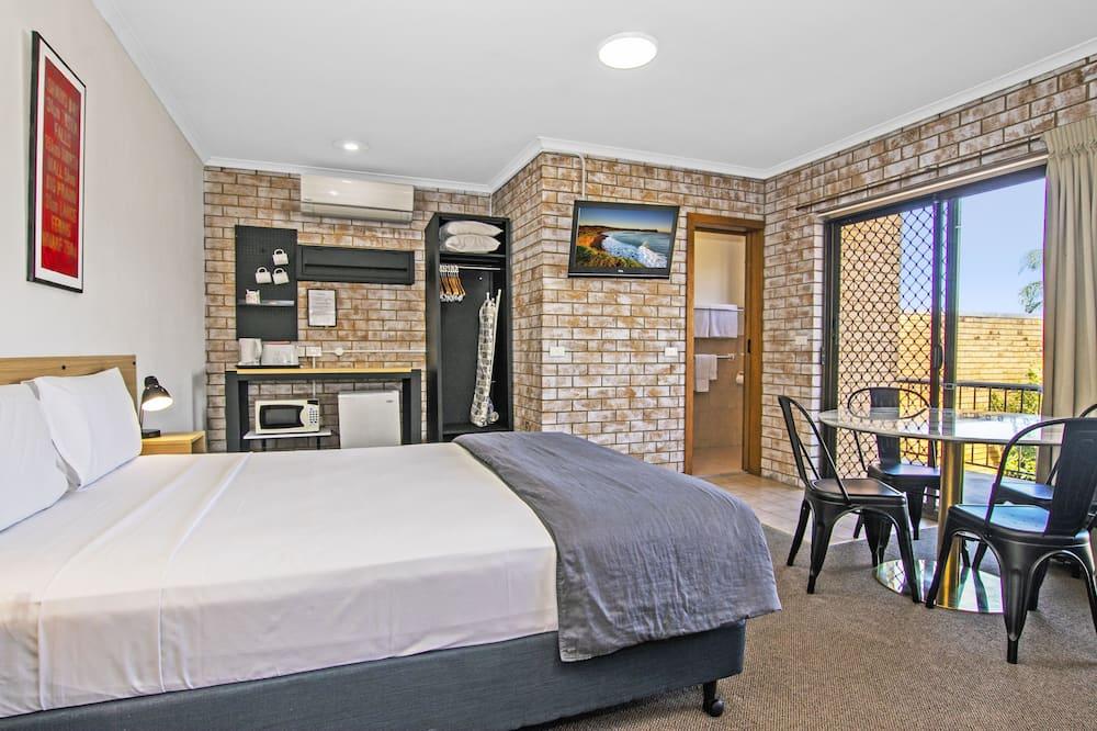 Triple Room with Terrace - Gjesterom