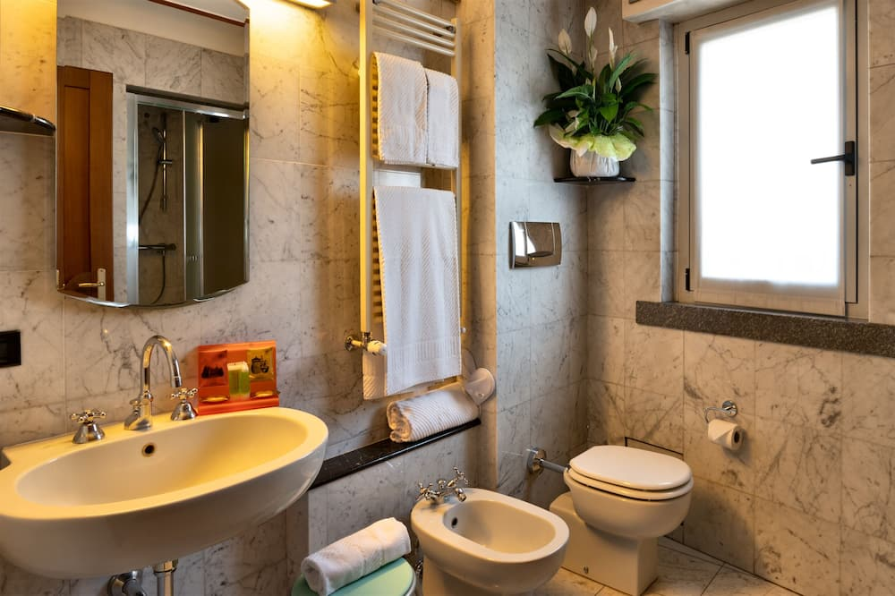 行政雙人或雙床房, 陽台 - 浴室