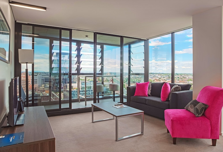 Mantra St Kilda Road, Melbourne, Three Bedroom Executive Apartment, Living Area