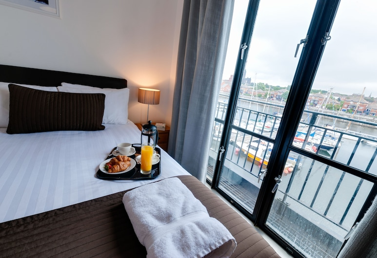 Base Serviced Apartments - The Docks, Liverpool, 3 Bedroom Town House with sofa bed , Room