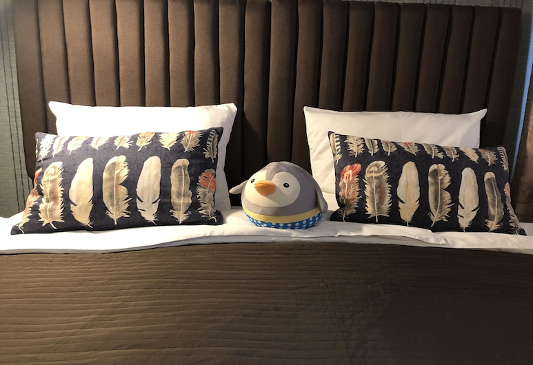 Rooms 3 Penguins , Moscow, Family Double or Twin Room, Room