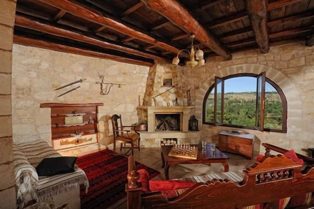 Villa (Mezzanine) - Living Room