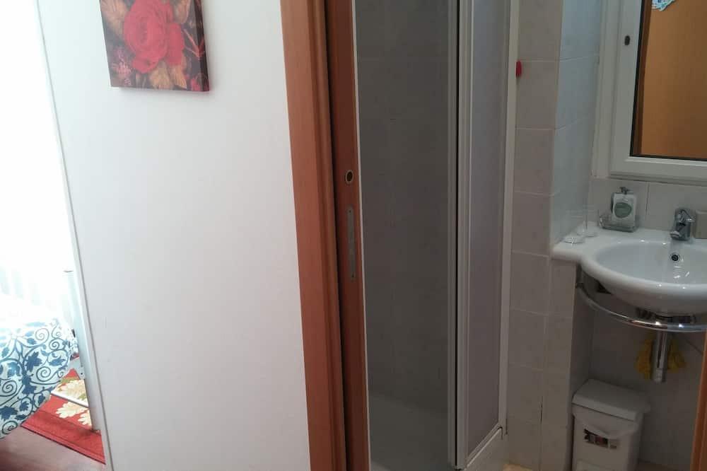 Kahden hengen huone (small) - Kylpyhuone