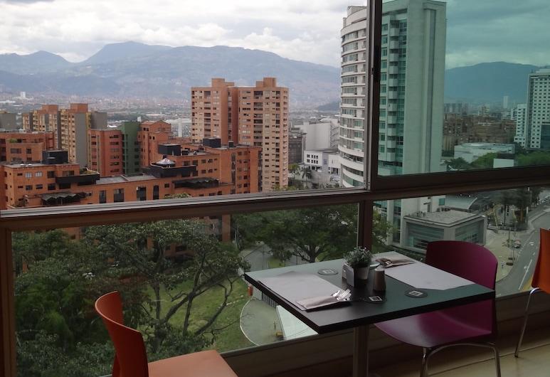 Hotel BH El Poblado, Medellin, Dining