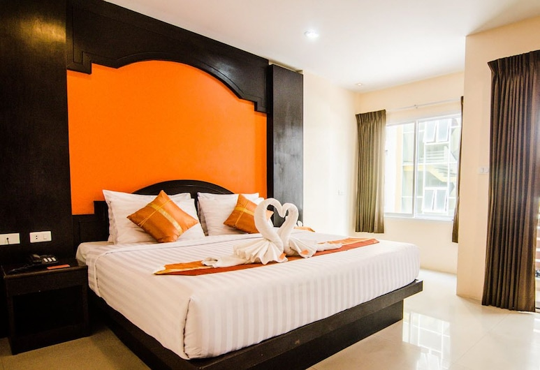 FunDee Boutique Hotel, Patong, 1 Family Room 3 Pax, Vierashuone