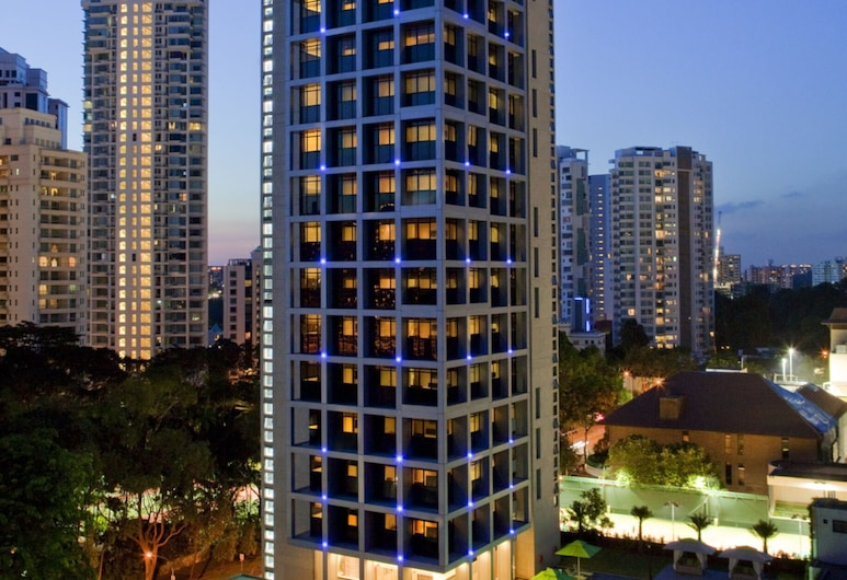 8 on Claymore Serviced Residences, Singapur