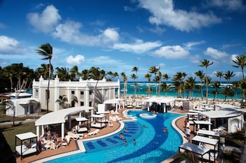 Enter your dates for our Punta Cana last minute prices