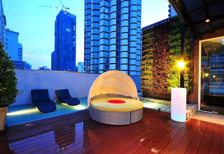 Citrus Sukhumvit 13 by Compass Hospitality, Bangkoka, Terase/iekšējais pagalms