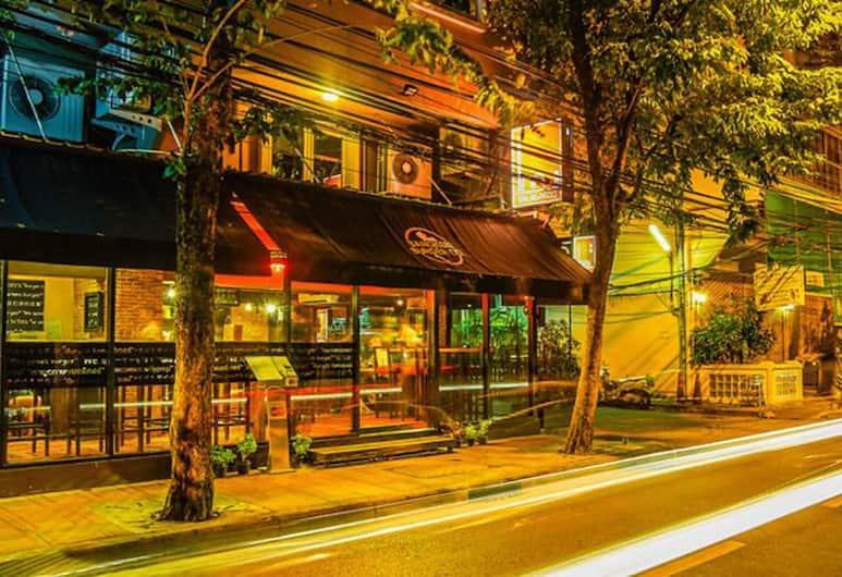 The Inn Saladaeng, Bangkok, Hotel Front – Evening/Night