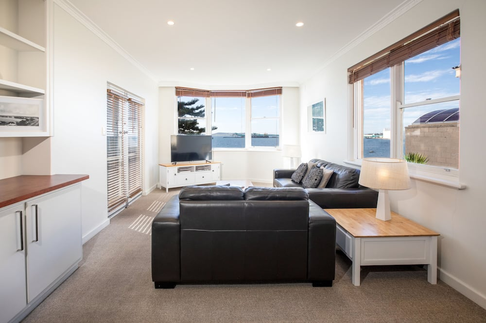 Superior 2 Bedroom, Waterfront Villa - Beach/Ocean View