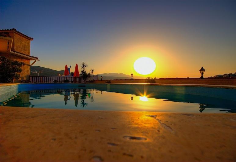 Virginia Hotel, Samos, Piscine en plein air