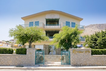 Picture of Kyveli Apartments in Chios
