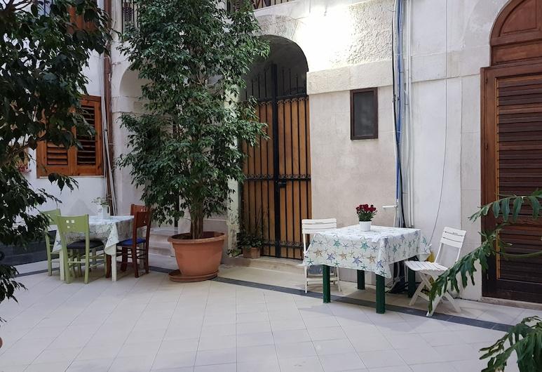 Artemide, Сіракузи, Фасад готелю