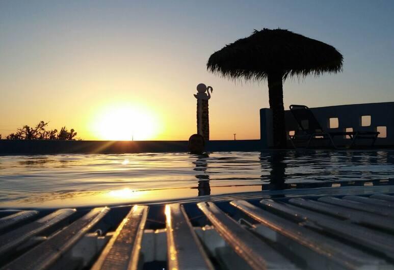 Honeymoon Beach Hotel, Santorini, Exterior