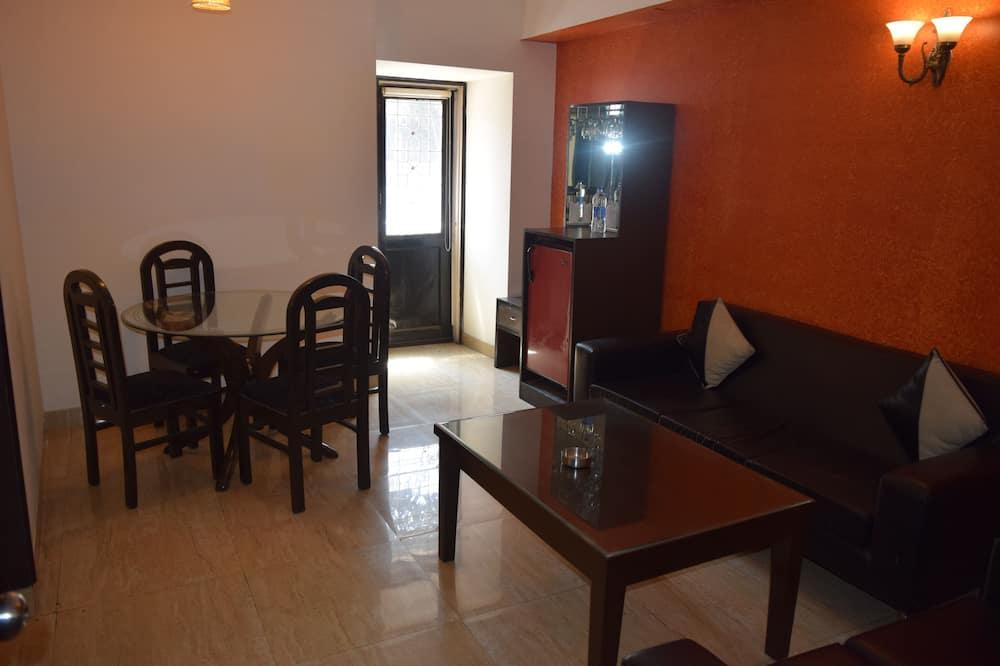 Phòng Suite, 1 giường cỡ king - Ăn uống tại phòng