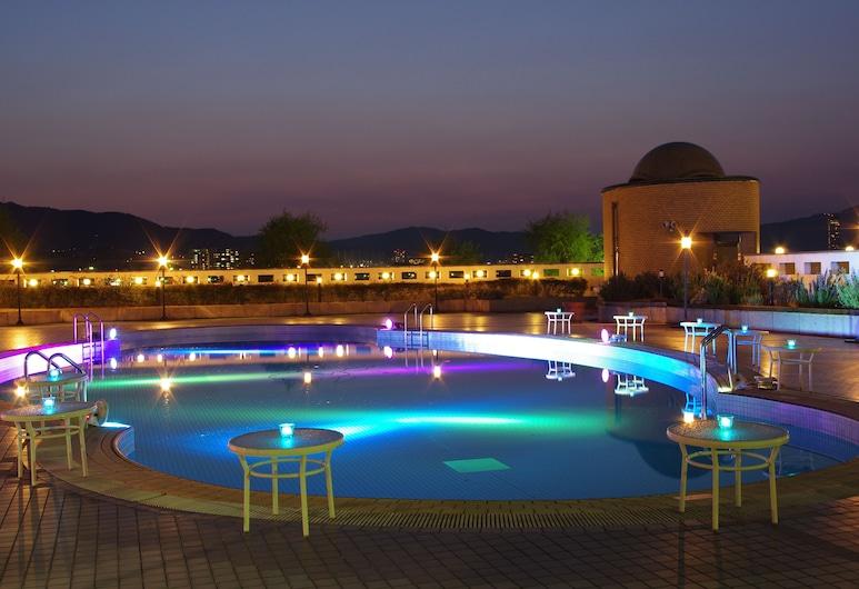 ロイヤルオークホテル スパ & ガーデンズ, 大津市, 屋外プール