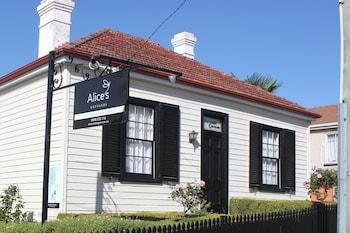 朗塞斯頓愛麗絲小屋酒店的圖片