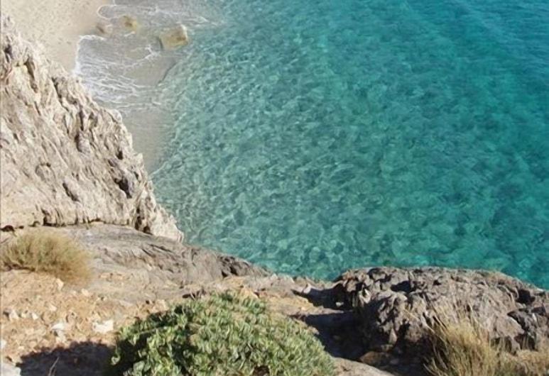 Apollo Apartments, Agios Vasileios, Beach