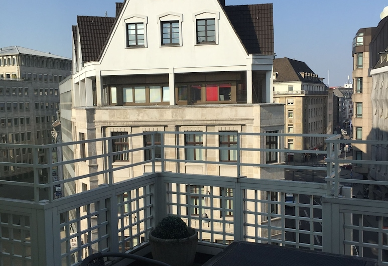 First Domizil, Köln, Elegance Suite, Balkon