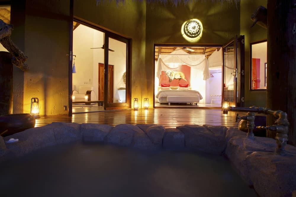 Buffalo Suite  - Private spa tub