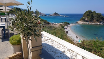 Picture of Hotel Sunrise Beach in Samos