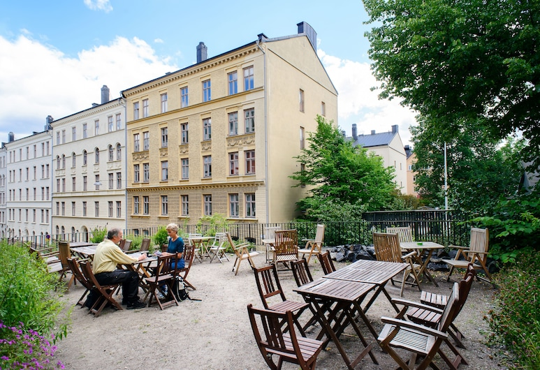 Hellstens Malmgård, Stockholm, Terasa