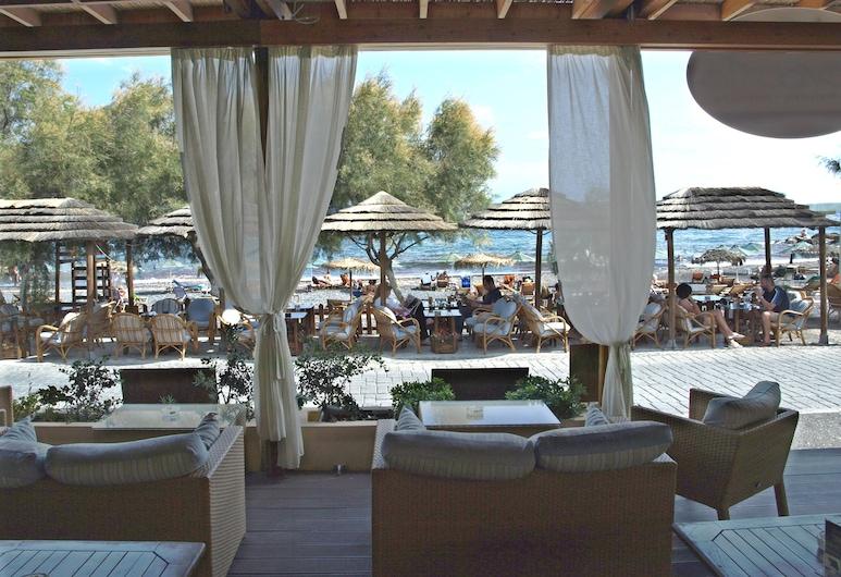 Levante Beach Hotel, Santorini, Hotel Lounge