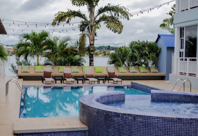 Hotel Casona del Lago, Santa Elena, Tina de hidromasaje al aire libre