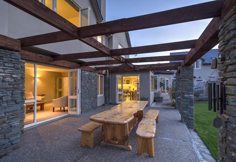Queenstown Country Lodge, Lake Hayes, Γεύματα σε εξωτερικό χώρο