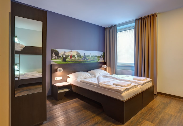 MEININGER Hotel Wien Downtown Sissi, Vienna, Quadruple Room, Guest Room