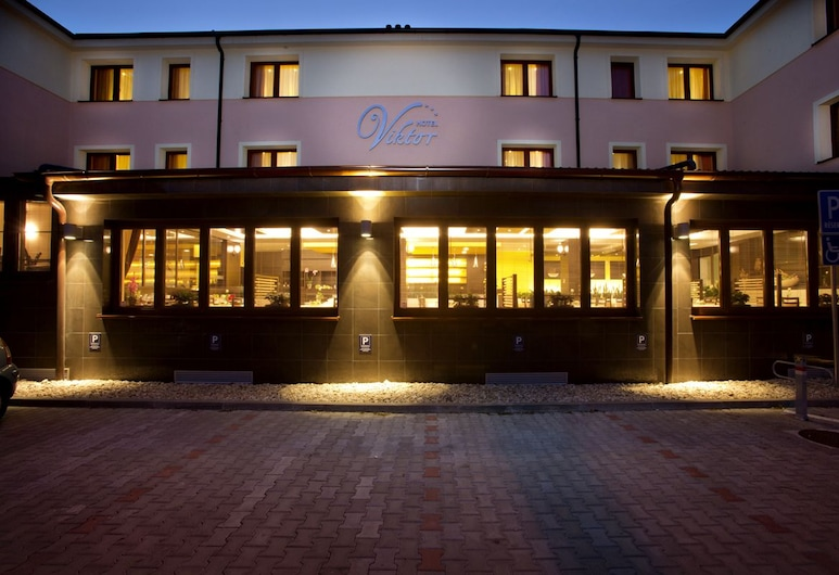 Hotel Viktor, Bratislava, Façade de l'hôtel - Soir/Nuit