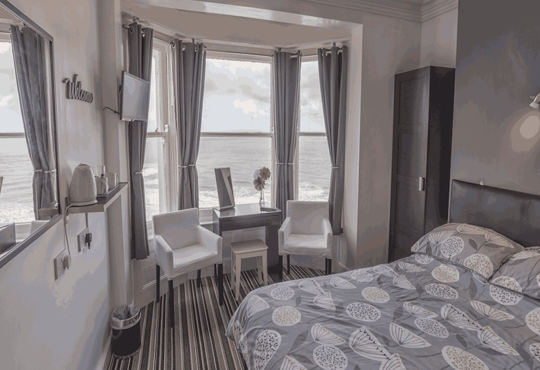 Miricia Guest House, Scarborough, Double Room Ensuite Sea View, Guest Room