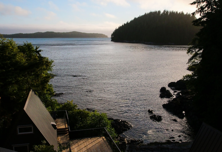 Duffin Cove Oceanfront Lodging, Tofino, Premium Studio, 1 King Bed, Ocean View, Terrace/Patio