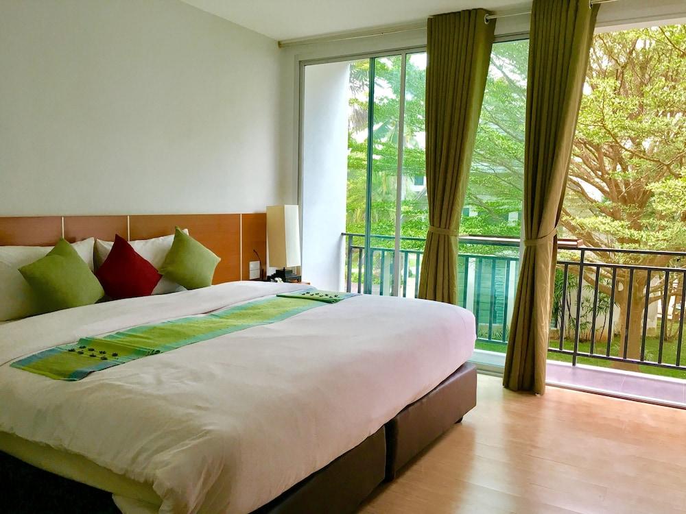 Royal Lanta Resort & Spa Hotel - room photo 4440512