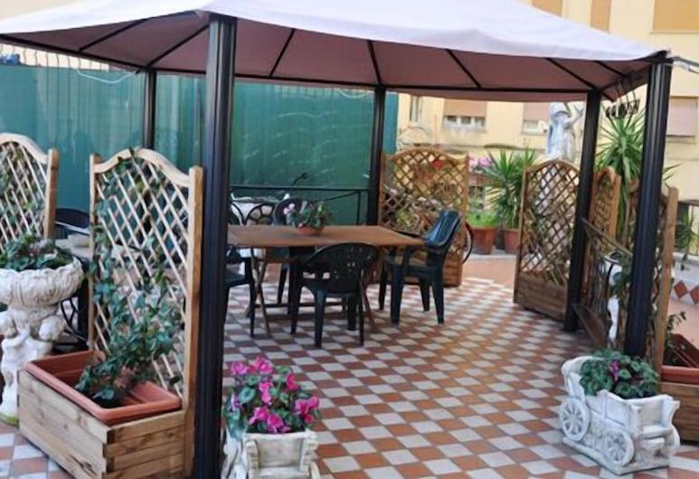 克麗奧佩特拉酒店, 羅馬, 高級雙人房, 露台, 庭園